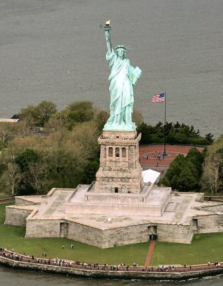 2010-08-09-ap-statue-liberty1jpg-338115330a01b3c3